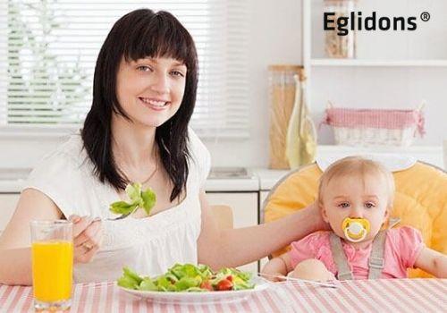 Mẹ sau sinh bị táo bón nên ăn gì