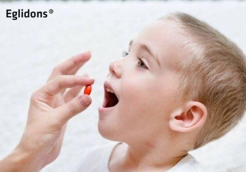 Trẻ uống canxix có bị táo bón không